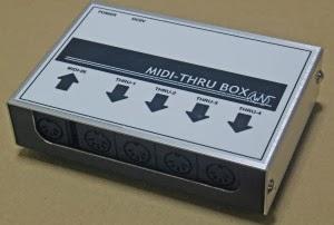 Beatnic製のMidi Thru Box を購入しました